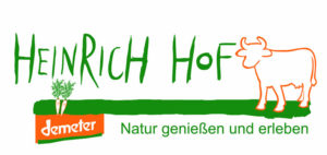 Heinrichhof – Demeter & Kälberaufzucht mit Adoptivbruderprogramm