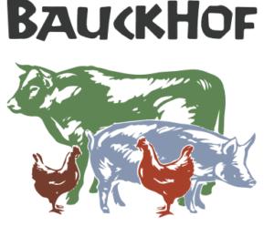 Bauckhof Naturkost – Hier leben Bruderhahn sowie Kuh und Kalb zusammen